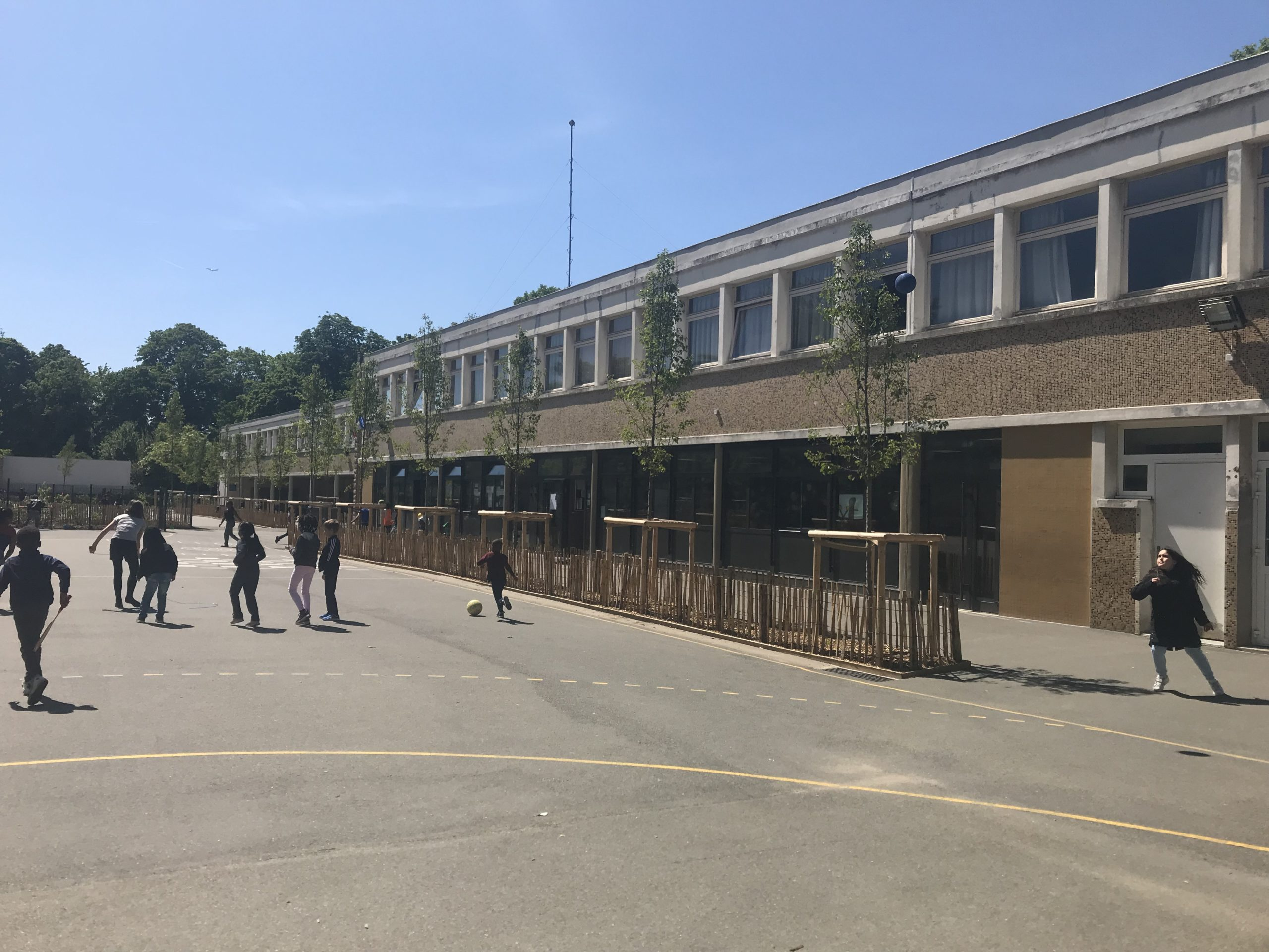 Requalification des espaces d'un groupe scolaire (93)